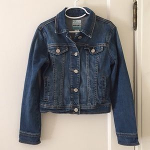 Old Navy Classic-Cut Worn-in Denim Jacket